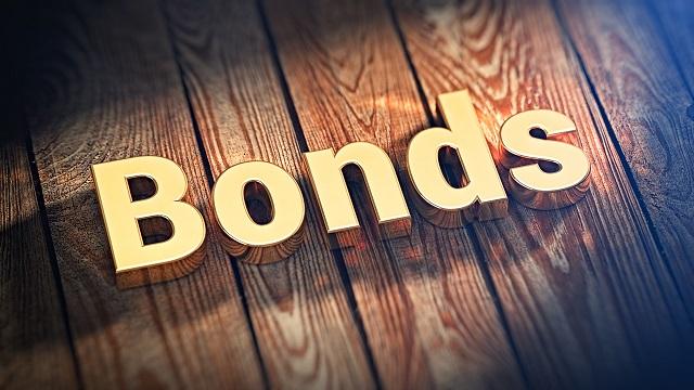 bondsingoldlettersonwoodenplan-3553-1564