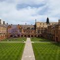 """<p class=""""Normal""""> <span>Ảnh: <em>Đại học Sydney.</em></span></p> <p class=""""Normal""""> <strong>7. Đại học Sydney (Australia)</strong></p> <p class=""""Normal""""> Xếp hạng thế giới: 34</p> <p class=""""Normal""""> Số cựu sinh viên là người siêu giàu đã biết: 55</p> <p class=""""Normal""""> Tổng tài sản các cựu sinh viên là người siêu giàu đã biết: 39 tỷ USD</p> <p class=""""Normal""""> Số cựu sinh viên là người siêu giàu ước tính: 550</p> <p class=""""Normal""""> Tổng tài sản các cựu sinh viên là người siêu giàu ước tính: 126 tỷ USD</p>"""