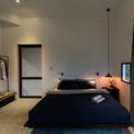 <p> Lối thiết kế đơn giản, hầu hết nội thất đều có màu trung tính.</p>