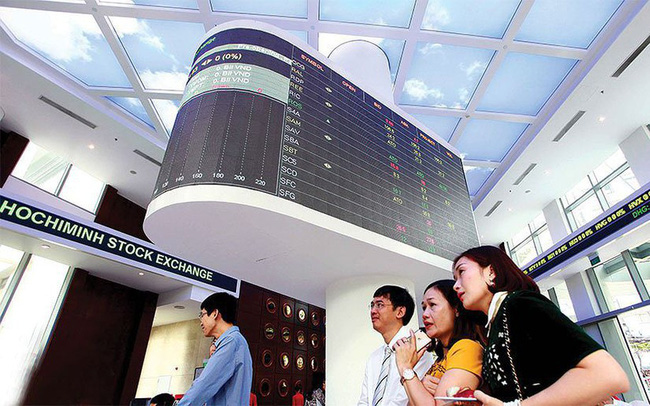 CW theo cổ phiếu FPT và MWG tăng ngược thị trường, thanh khoản cải thiện