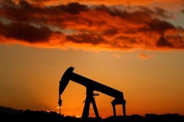Giá dầu giảm hơn 3% do lo ngại về tăng trưởng toàn cầu