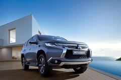 Mitsubishi Pajero Sport giảm giá hơn 90 triệu đồng trong tháng Ngâu