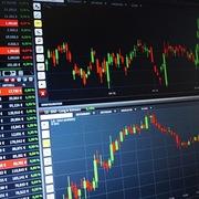 J.P. Morgan: USD mất giá 5%, thị trường chứng khoán mới nổi tăng 22%