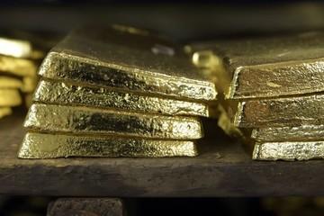 OCBC: Giá vàng còn cao trong 6 - 12 tháng tới