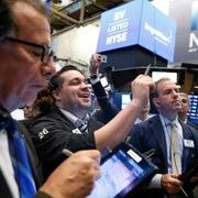Phố Wall phục hồi, S&P 500 tăng mạnh nhất 2 tháng