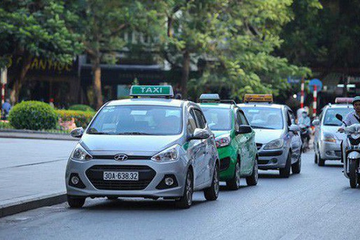 Taxi truyền thống muốn được thành xe hợp đồng điện tử để hưởng ưu đãi