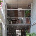 <p> Ngôi nhà gồm 4 tầng, trong đó tầng 1 là không gian sinh hoạt chung.</p>