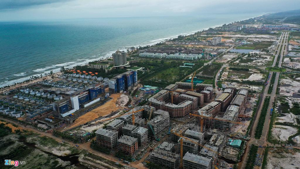 Rừng bê tông chắn kín bờ biển Phú Quốc