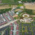 """<p> <span style=""""color:rgb(68,68,68);text-align:justify;"""">Ngoài hai khu nghỉ dưỡng trên, dự án Sonasea Villas &amp; Resort của chủ đầu tư CEO Group còn có hàng trăm shop house, villa shop đã đi vào hoạt động. Dự án này được tập đoàn CEO đầu tư 10.000 tỷ trên diện tích 132 ha.</span></p>"""