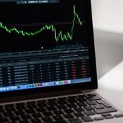 HDC, CTD, KDH, CRE, SKG, SMB, TNI, GMD, HPG, CLH, VE1: Thông tin giao dịch cổ phiếu
