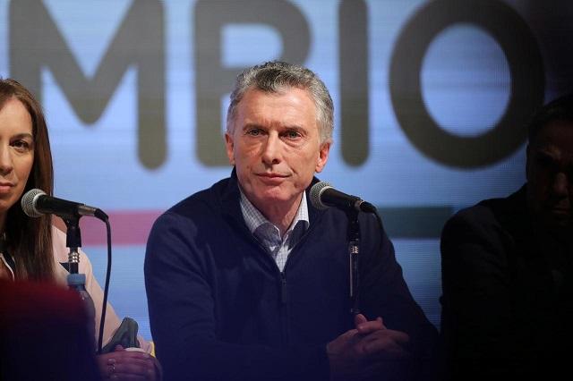 Chứng khoán Argentina giảm 35% trong một phiên