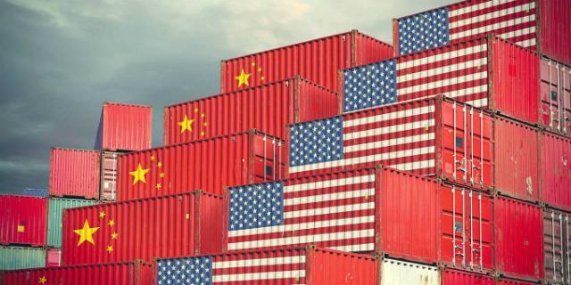 Cuộc chiến thương mại Mỹ - Trung đang có nguy cơ mở rộng sang lĩnh vực tiền tệ. Ảnh: Getty Images.