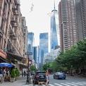 <p> Sau khi rời IDF, Neumann chuyển đến thành phố New York năm 2001 và sống trong một căn hộ của Tribeca cùng với chị gái Adi. Neumann đã dành những ngày đầu ở New York để đến các câu lạc bộ và làm quen với các cô gái. (Ảnh: <em>BI</em>)</p>