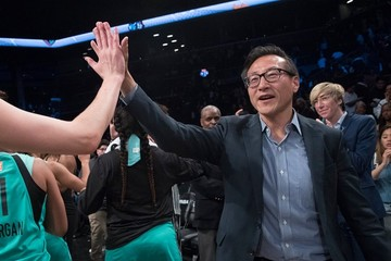 Tỷ phú đồng sáng lập Alibaba chi số tiền kỷ lục mua lại đội bóng rổ Brooklyn Nets