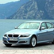 Triệu hồi hàng loạt xe sang BMW 3 Series tại Việt Nam