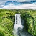 """<p class=""""Normal""""> <strong>Iceland</strong></p> <p class=""""Normal""""> Vùng đất này có nhiều điều thu hút du khách như hiện tượng cực quang, """"hang động pha lê"""", các thác nước khổng lồ, những chú ngựa Icelandic nổi tiếng và bãi biển cát đen mịn màng.</p>"""
