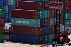 Mỹ loại 7,8 tỷ USD hàng Trung Quốc khỏi đợt đánh thuế 10%