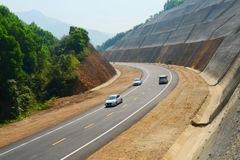 Sắp khởi công Dự án đường bộ cao tốc Cam Lộ - La Sơn trị giá 7.669 tỷ đồng