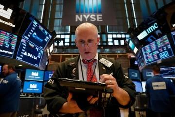 Cổ phiếu tài chính lao dốc, Phố Wall giảm điểm