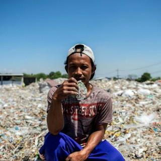 Ngôi làng nhặt rác ra nhiều tiền hơn làm nông ở Indonesia