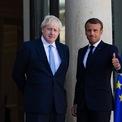 <p> Thủ tướng Anh Boris Johnson họp với Tổng thống Pháp Emmanuel Macron tại Điện Elysee ở Paris vào ngày 22/8. Đây là chuyến thăm Paris lần thứ 2 của ông Johnson nhằm thúc đẩy Liên minh châu Âu thay đổi quan điểm về Brexit. Ảnh: <em>Getty Images</em>.</p>
