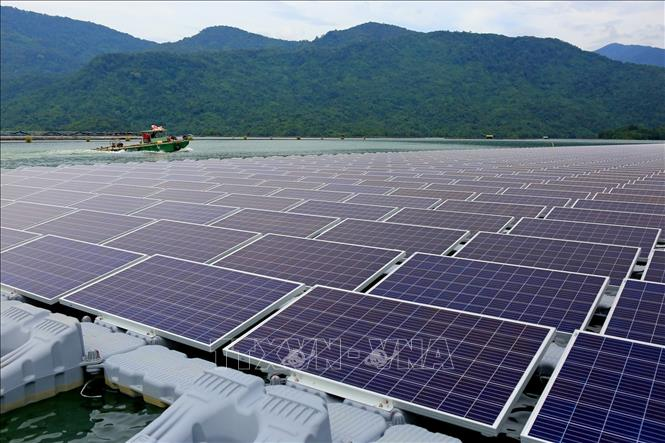 Phát triển nóng, điện mặt trời vẫn chỉ chiếm tỷ trọng nhỏ