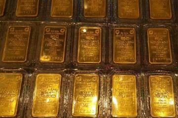 Tăng hơn nửa triệu đồng, giá bán vàng SJC vượt 43 triệu đồng/lượng