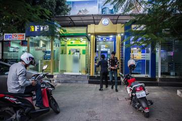 Bloomberg: 8 tỷ USD nợ tín dụng vi mô đặt Campuchia trước rủi ro khủng hoảng