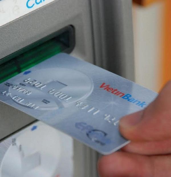 Khách hàng VietinBank được rút tối đa 10 triệu đồng qua ATM vào ban đêm