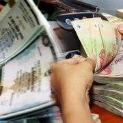 Chiêu bài đảo nợ cho công ty thân hữu