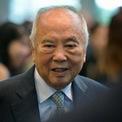 """<p class=""""Normal""""> <strong>Wee Cho Yaw</strong></p> <p class=""""Normal""""> Tài sản: 6,6 tỷ USD</p> <p class=""""Normal""""> Wee Cho Yaw là chủ tịch danh dự của United Overseas Bank (UOB), ngân hàng lớn thứ ba của Singapore. UOB được đồng sáng lập bởi cha của ông, Wee Khiang Cheng vào năm 1935. (Ảnh: <em>ST Life</em>)</p>"""