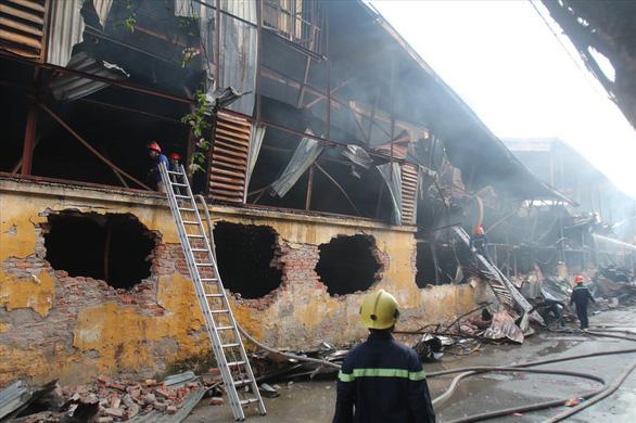 Không ăn thực phẩm trong bán kính 1km sau vụ cháy Công ty Rạng Đông