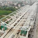 <p> Công việc lắp mái che và kiến trúc của các nhà ga dự kiến triển khai từ tháng 9 năm nay và hoàn thành vào tháng 4/2020.</p>