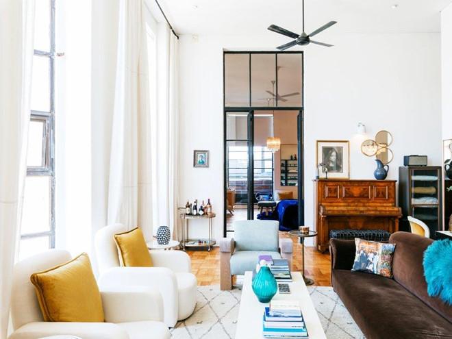 airbnb - 3 1567340752 - Là CEO của Airbnb, tỷ phú Brian Chesky giàu có nhưng bình dị ra sao?