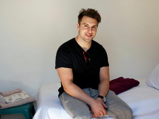 airbnb - 6 1567340754 - Là CEO của Airbnb, tỷ phú Brian Chesky giàu có nhưng bình dị ra sao?
