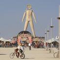 """<p> Giống như các CEO công nghệ khác, Chesky được cho là đã tham dự sự kiện """"Burning Man"""" - một lễ hội nghệ thuật kéo dài trong 9 ngày ở sa mạc Nevada hoang dã - trong năm nay. Đây cũng là chương trình mà giới tỷ phú công nghệ và người nổi tiếng ưa thích. Ảnh: <em>Reuters</em>.</p>"""