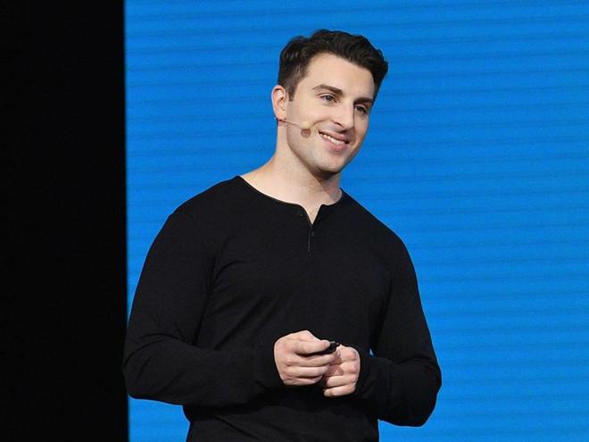 airbnb - 9 1567340756 - Là CEO của Airbnb, tỷ phú Brian Chesky giàu có nhưng bình dị ra sao?
