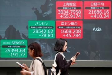 Thuế mới của Mỹ, Trung Quốc có hiệu lực, chứng khoán châu Á giảm