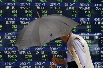 Chứng khoán châu Á giảm khi Australia giữ lãi suất thấp kỷ lục