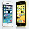 <p> Ngày 10/9/2013, lần đầu tiên trong lịch sử Apple trình làng một lúc 2 phiên bản iPhone trong năm, đó là iPhone 5S và iPhone 5C. Nếu 5S giữ nguyên thiết kế của iPhone 5 và được tích hợp thêm bảo mật vân tay thì iPhone 5C lại nổi bật với lớp vỏ nhựa có nhiều màu sắc.</p>