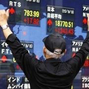 Chứng khoán Hong Kong tăng gần 1.000 điểm, khu vực châu Á tăng hơn 1%