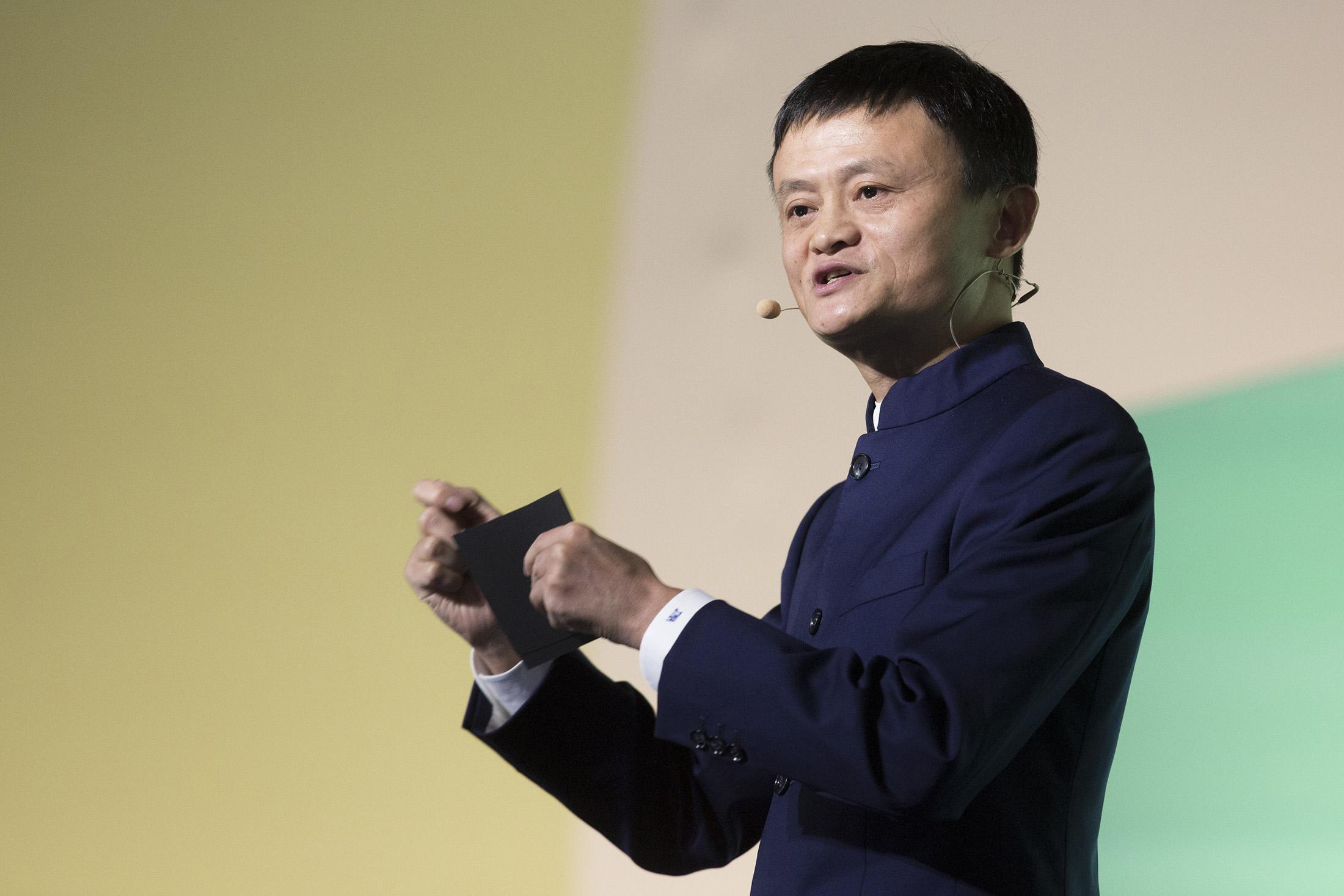 jack ma - 12 1568089545 - Jack Ma: Từ người 2 lần trượt đại học, 10 lần bị Harvard từ chối và 30 lần xin việc thất bại đến tỷ phú nổi tiếng thế giới