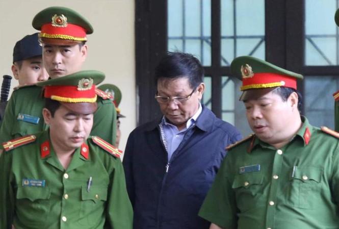 Cựu Trung tướng Phan Văn Vĩnh bị khởi tố thêm tội danh mới