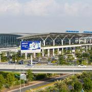 Bộ Giao thông Vận tải đề xuất bố trí vốn cải tạo đường băng sân bay Nội Bài, Tân Sơn Nhất