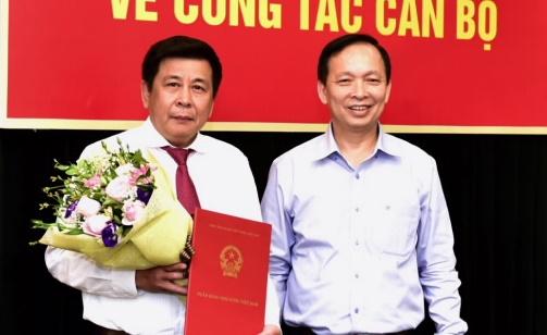 Ông Lê Thái Nam (bên trái) và Phó Thống đốc NHNN Đào Minh Tú. Ảnh: NHNN.