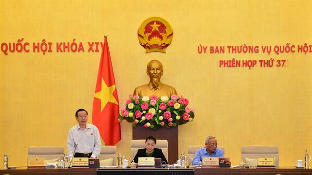 'Một tạ tài liệu sân bay Long Thành, không thể thẩm tra trong vài ngày'