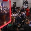 <p> Ngoại trưởng Mỹ Mike Pompeo và Bộ trưởng Tài chính Steven Mnuchin trong buổi họp báo ngày 10/9 công bố quyết định sa thải Cố vấn An ninh Quốc gia John Bolton. Nguyên nhân là ông Bolton có bất đồng trong quan điểm chính sách đối ngoại với Tổng thống Trump. Ảnh: <em>Bloomberg</em>.</p>