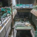 <p> Các tầng ngầm của ga Nhà hát Thành phố dài 240 m, rộng 36 m, sâu 27 m cùng 4 tầng hầm đang trong giai đoạn hoàn thiện.</p>