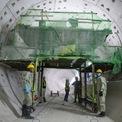 <p> Dù 2 hầm cơ bản đã hoàn thiện phần kết cấu và đã thông tuyến với nhau nhưng hằng ngày, công nhân vẫn thường xuyên kiểm tra, bảo trì.</p>