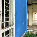 """<p class=""""Normal""""> Nhiều căn hộ đã có dấu hiệu bị thấm nước, nứt tường, cửa sắt hoen gỉ. Các đơn vị khảo sát đều thống nhất cần đánh giá chất lượng của các căn hộ còn lại để làm cơ sở thẩm định giá.</p>"""